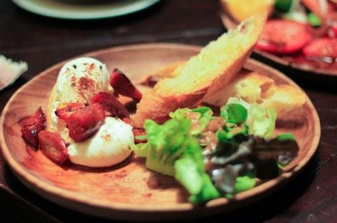 Nhà hàng Gold Bay Leaf –Món ăn là sự kết hợp giữa món Ý và Thái