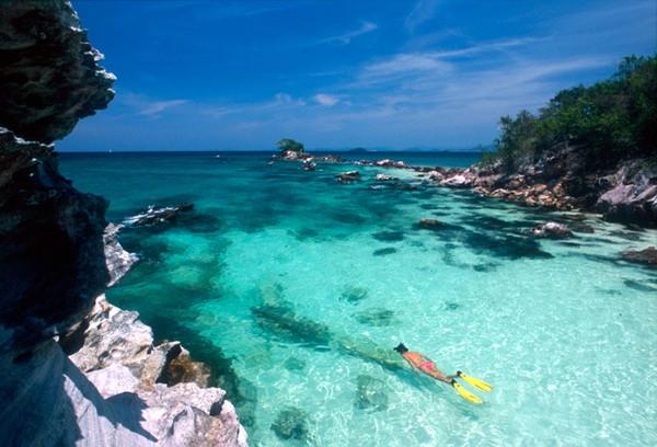 Bãi biển Karma có dòng nước trong xanh ngắt- điểm lặn biển lý tưởng